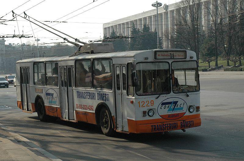 800px-Trolleybus_Chisinau_02